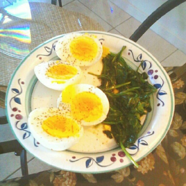 #eggs and #spinach for #breakfast. #healthyfood #healthy #foodie #foodstagram #fitness #fitspo #organic #eatright #eatingright #eatclean #eatingclean Eatright Nylonsnack Breakfast Eatingright Eggs Eatingclean Foodie Liwc Healthy Fitness Organic Lowcarb Spinach Foodstagram Fitspo Healthyfood Eatclean Lowfat Lowcalorie
