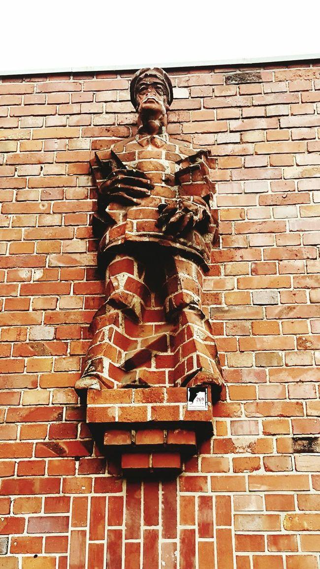 Brick Wall Sculpture Statue Art Wall - Building Feature Creativity