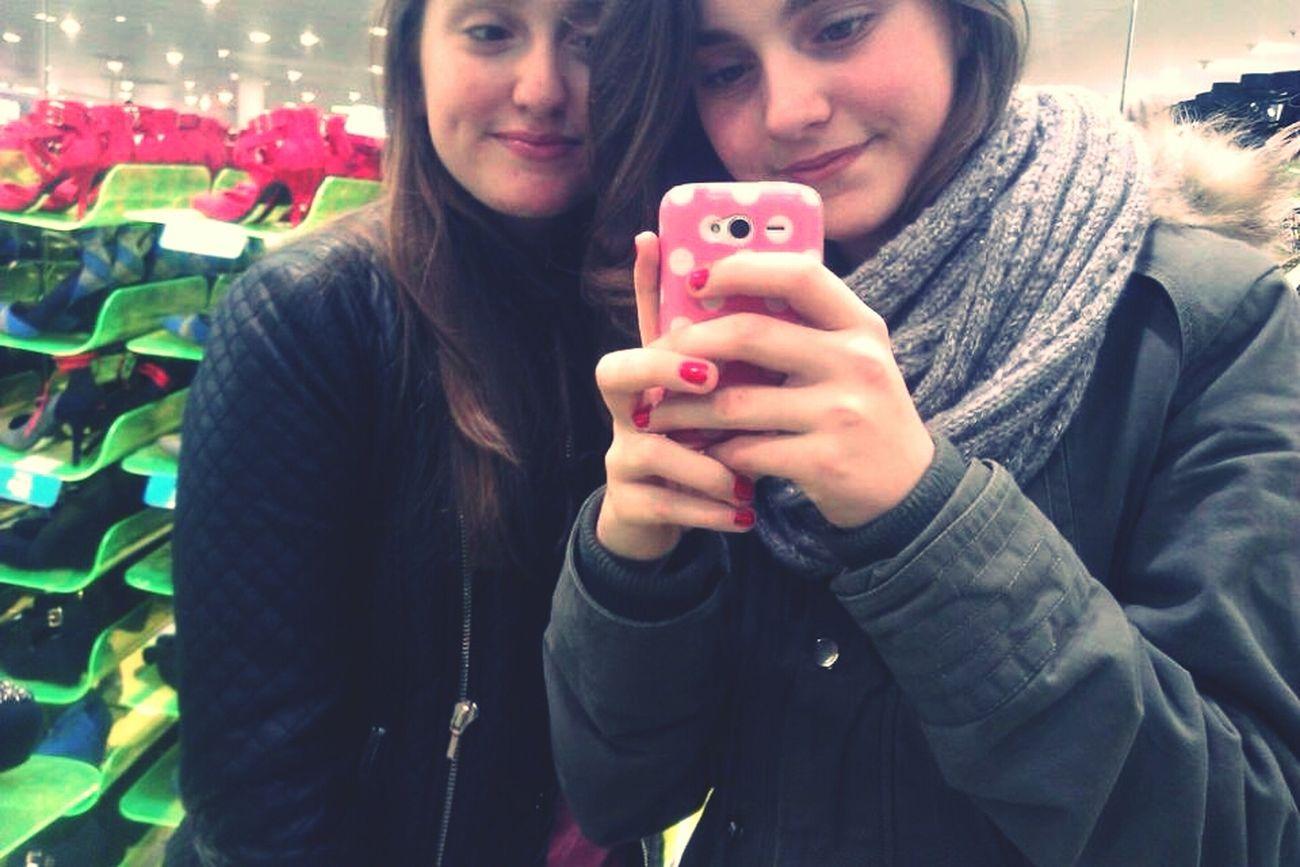 Ilovemybestfriend Babyyyyyiloveyou Shopping Taking Photos ♡♥