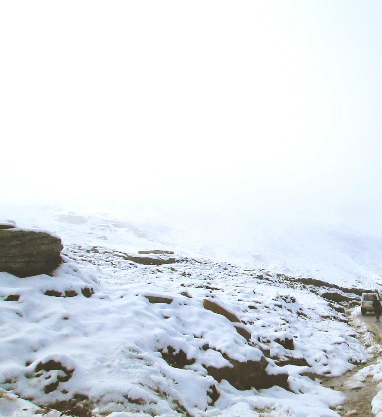 Snowy Mountains Natural Beauty Snow White Atthetop Snowymountain