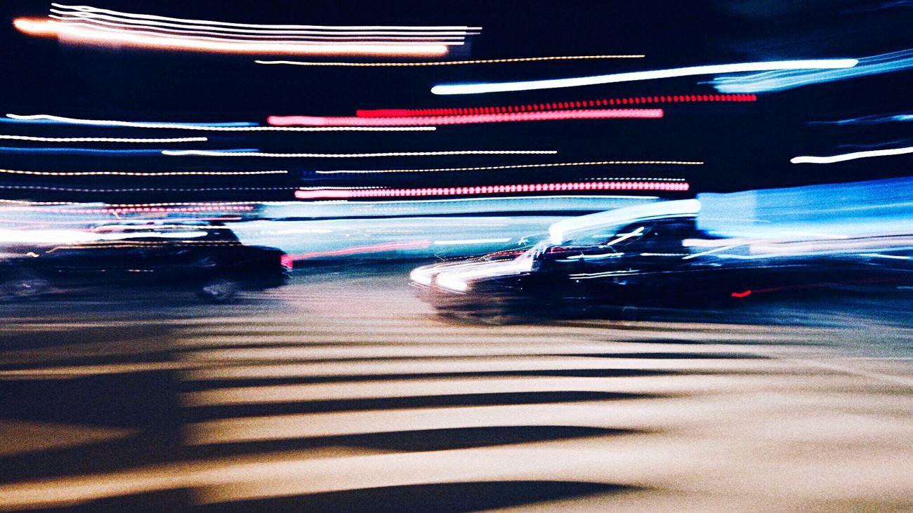 夜間は、タクシーだらけ。 Taxi Light And Shadow Lightandshadow Crossroads