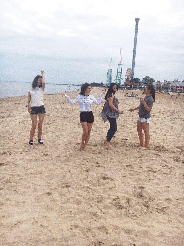 B o o m e r a n g i n g A t T h e B e a c h💟 Beach Time Beach Day Beach And Sea Beach View Beach And Sand Friends And Beach  Beachphotography