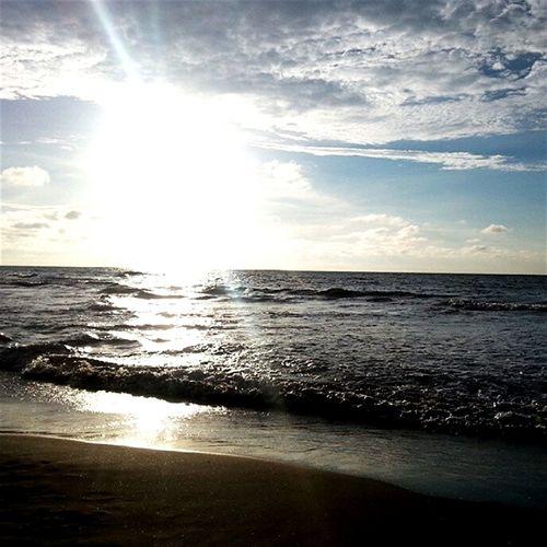 On The Beach Atardecer Cielo Azul Arena Hello World Hermoso Atardecer