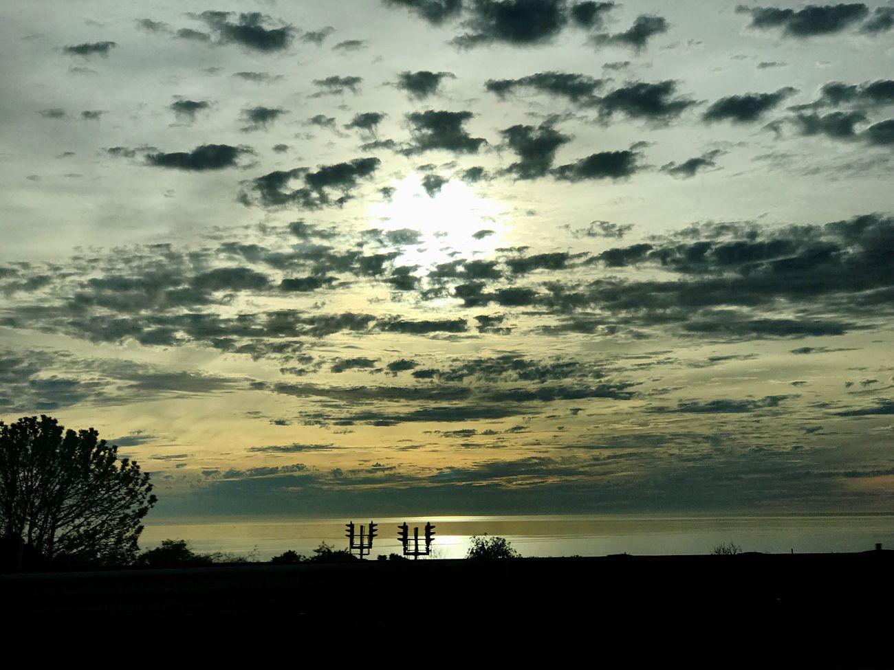 4 o'clock sky 🌞 Onthehighway Roadtohome Oceanside