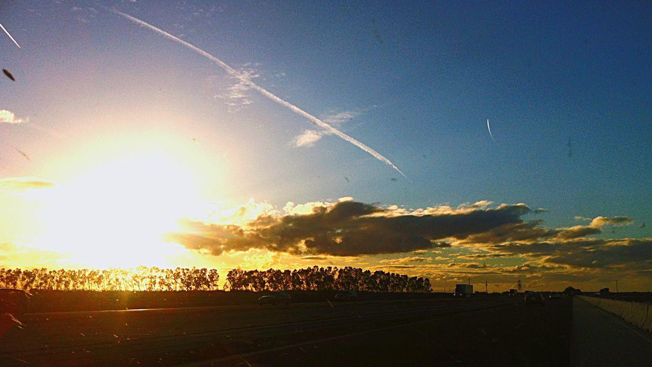 The Great Outdoors With Adobe Sunset Sunset #sun #clouds #skylovers #sky #nature #beautifulinnature #naturalbeauty #photography #landscape Sunset Silhouettes Makoto Shinkai Sommergefühle
