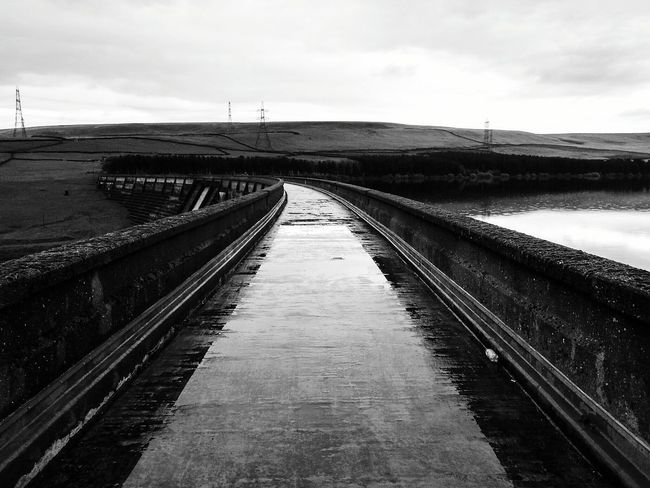 Outdoor Photography POV Baitings Rainy Water Yorkshire Countryside Landscape_Collection Rainy Days Yorkshire Nature's Diversities The Great Outdoors - 2016 EyeEm Awards Landscape Dam Black And White Architecture Black & White Black And White Architecture Resevoir Fieldscape Rainy Day Hillside Found On The Roll Pattern Bridge Path