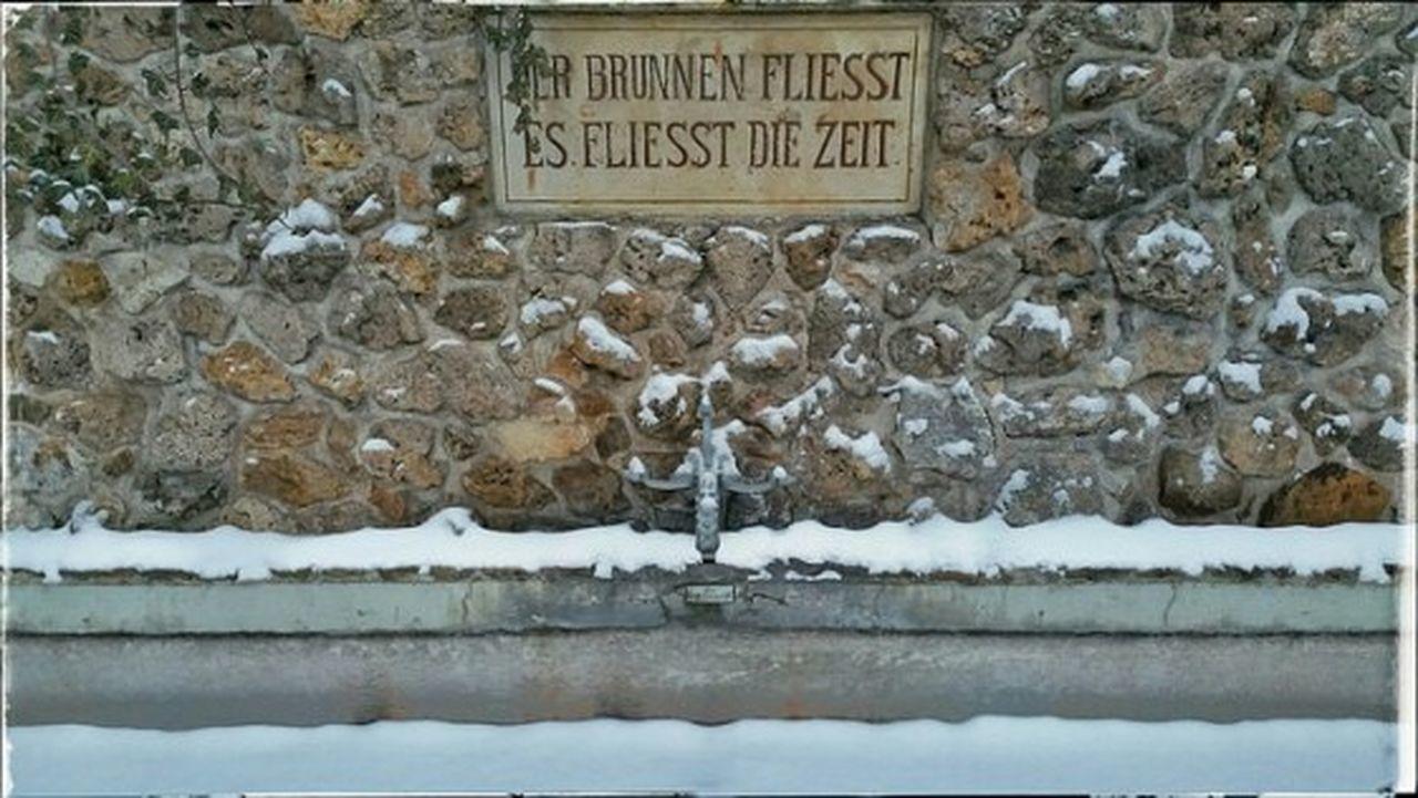 Der Brunnen fliesst, es fliesst die Zeit 😉der Brunnen macht Pause,die zeit fliesst weiter Heikobo Thuringen Thüringer Wald Königsee