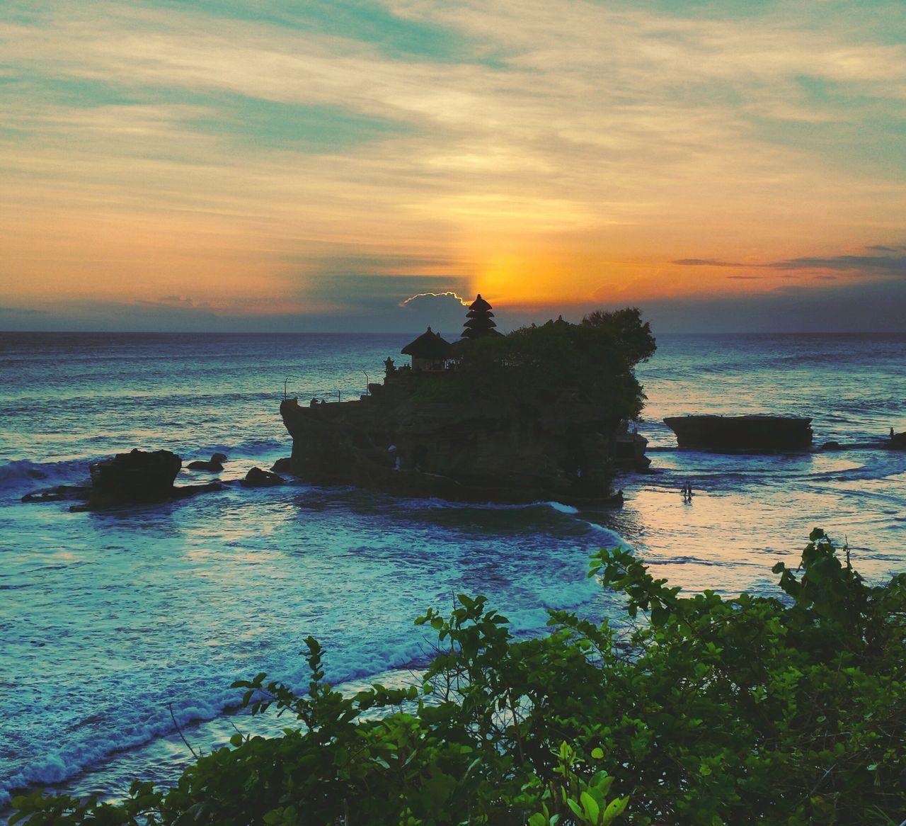 Sea Sunset Horizon Over Water Cloud - Sky Outdoors Evening Sky Temple Bali Bali, Indonesia INDONESIA Seaview View ASIA Holiday TBT  Sun Travelling Tanah Lot Tanah Lot Temple Sky