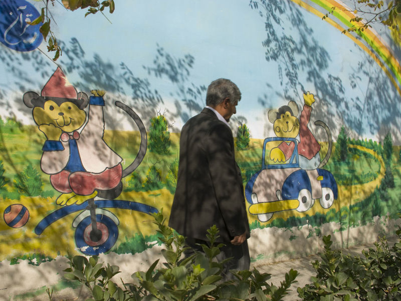 Man Walking By The Wall Wall Painting Shadows Conseptual Cartoon Painting Travel Photography Monkeys