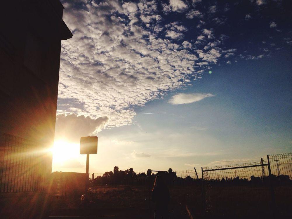 Esta foto la hice hace tres dias, fui a caminar con unas amigas y ese día ne gustaba como estaba el cielo y aunque la Foto no esté echa con la réflex me quedo un poco bien Sky Cloud - Sky First Eyeem Photo