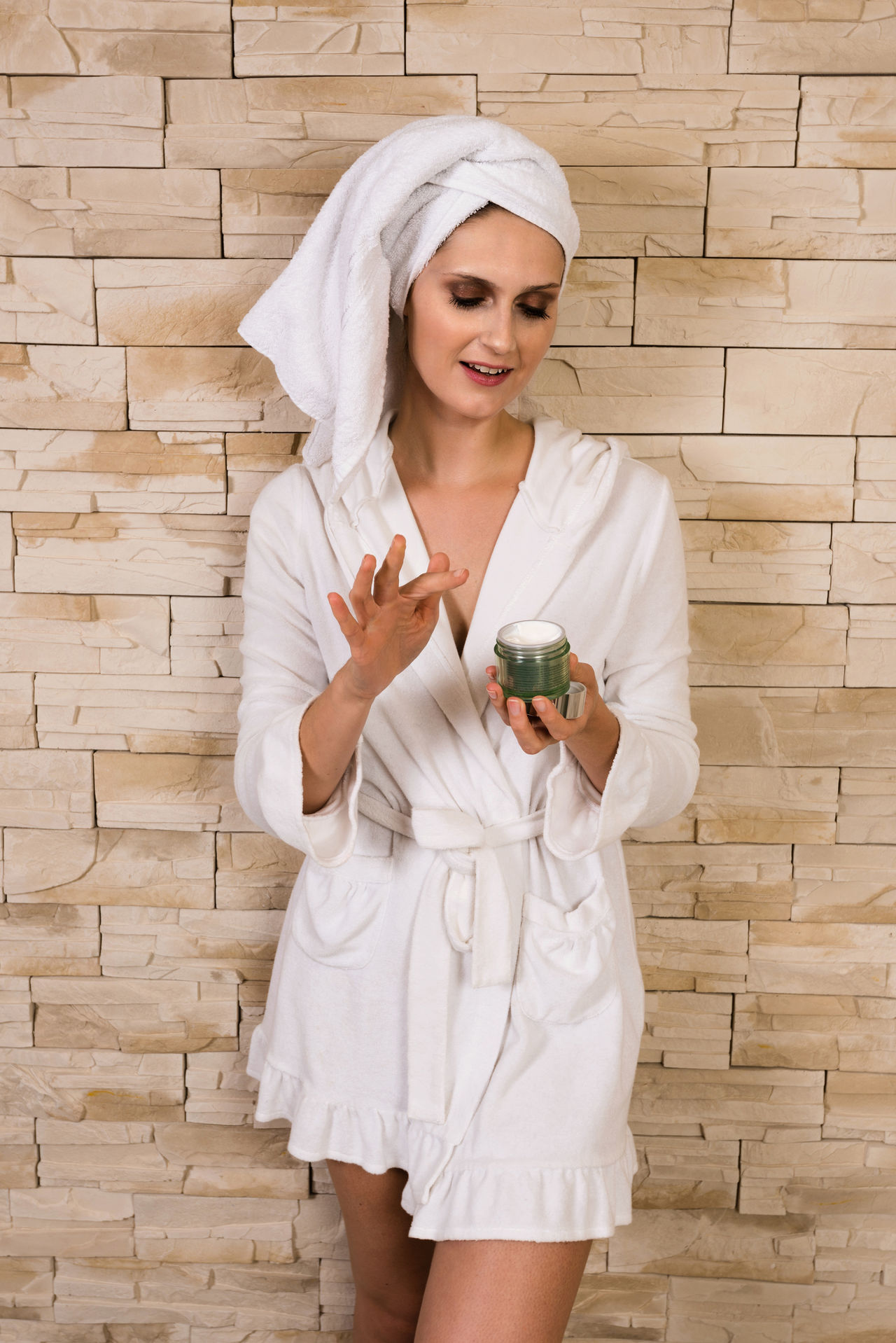 Beautiful stock photos of spaß, 25-29 Years, Bathrobe, Beautiful Woman, Beauty Product