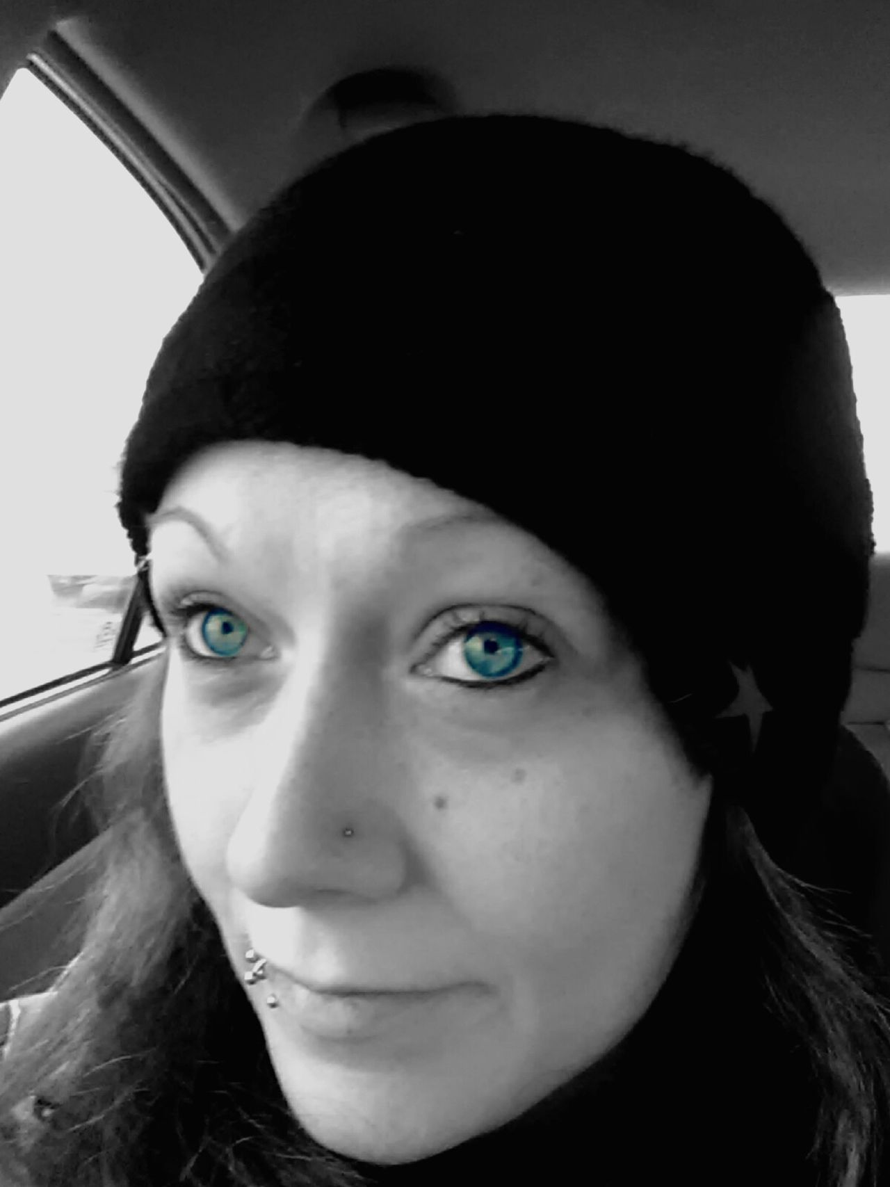 Looking At Camera Young Women Close-up Blue Eyes Those Eyes Tho Thats Me! Real People My Photography. ❤ Hello World ✌ Check This Out 😊 Real People, Real Lives Cold Outside ❄⛄  2016♡ Crazy Blue Eyes Selfie✌ Beauty Real Photography Black & White Color Splash Blue Eyes 💙 Portrait Young Adult Day Michigan Up North Michiganliving