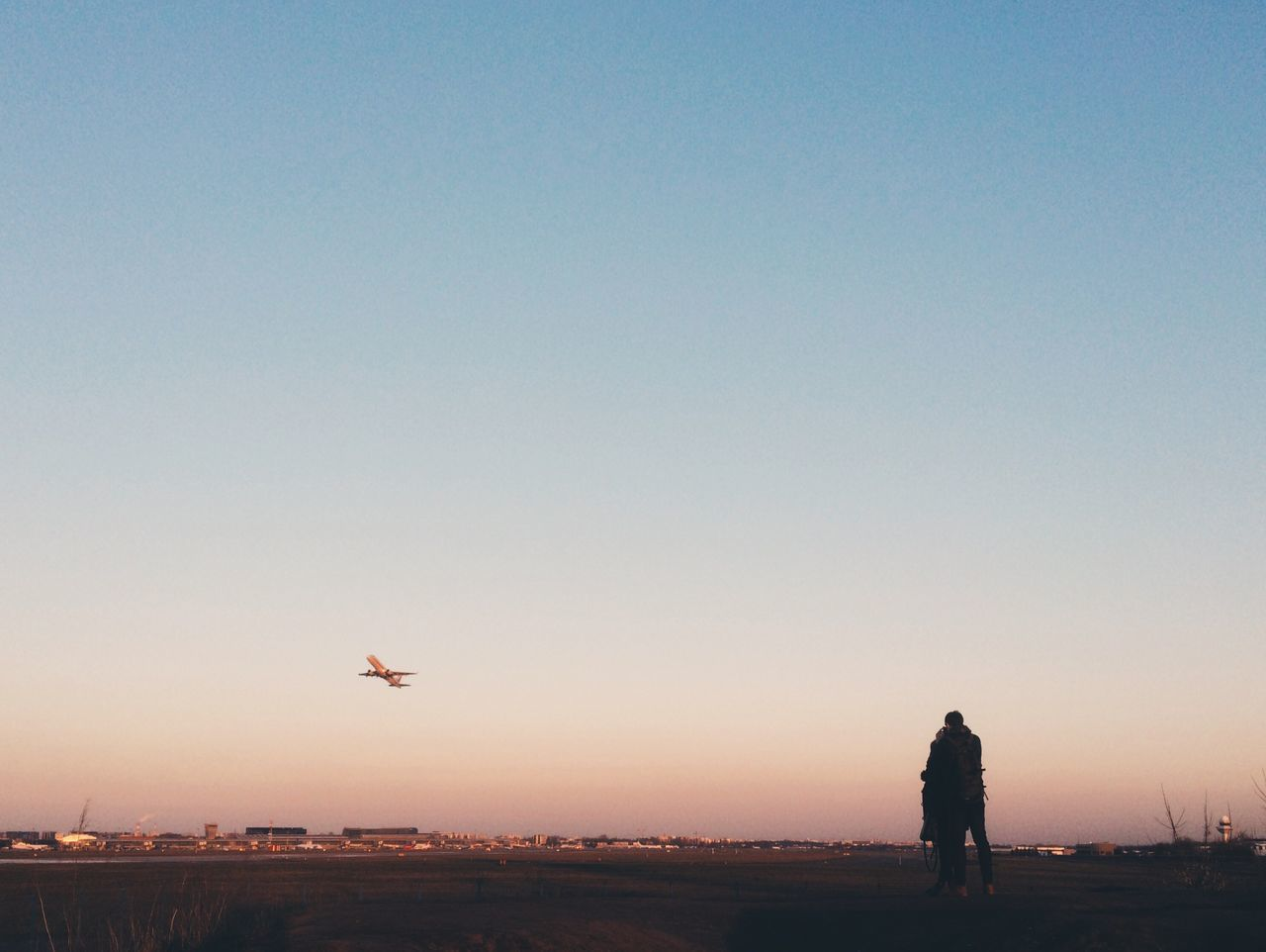 ::: Romantic Couple Sunset Airport Spotting Plane Plane Dreams Travel Showcase March Sillouette