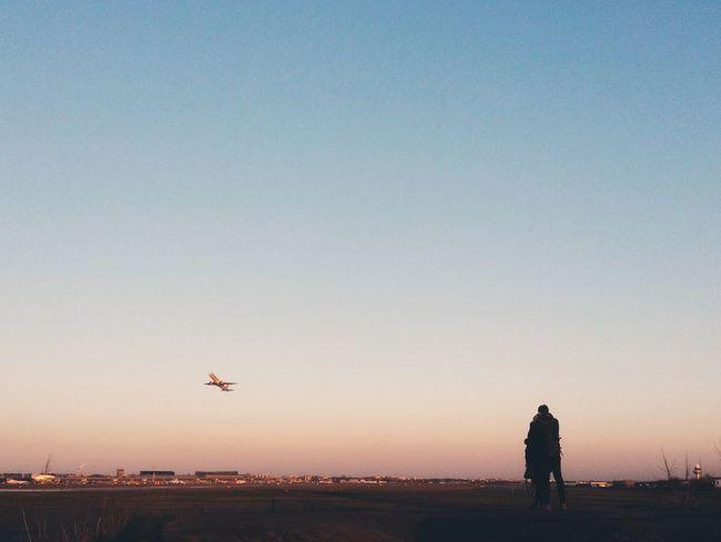 ::: Romantic Couple Sunset Airport Spotting Plane Plane Dreams Travel Showcase March Sillouette