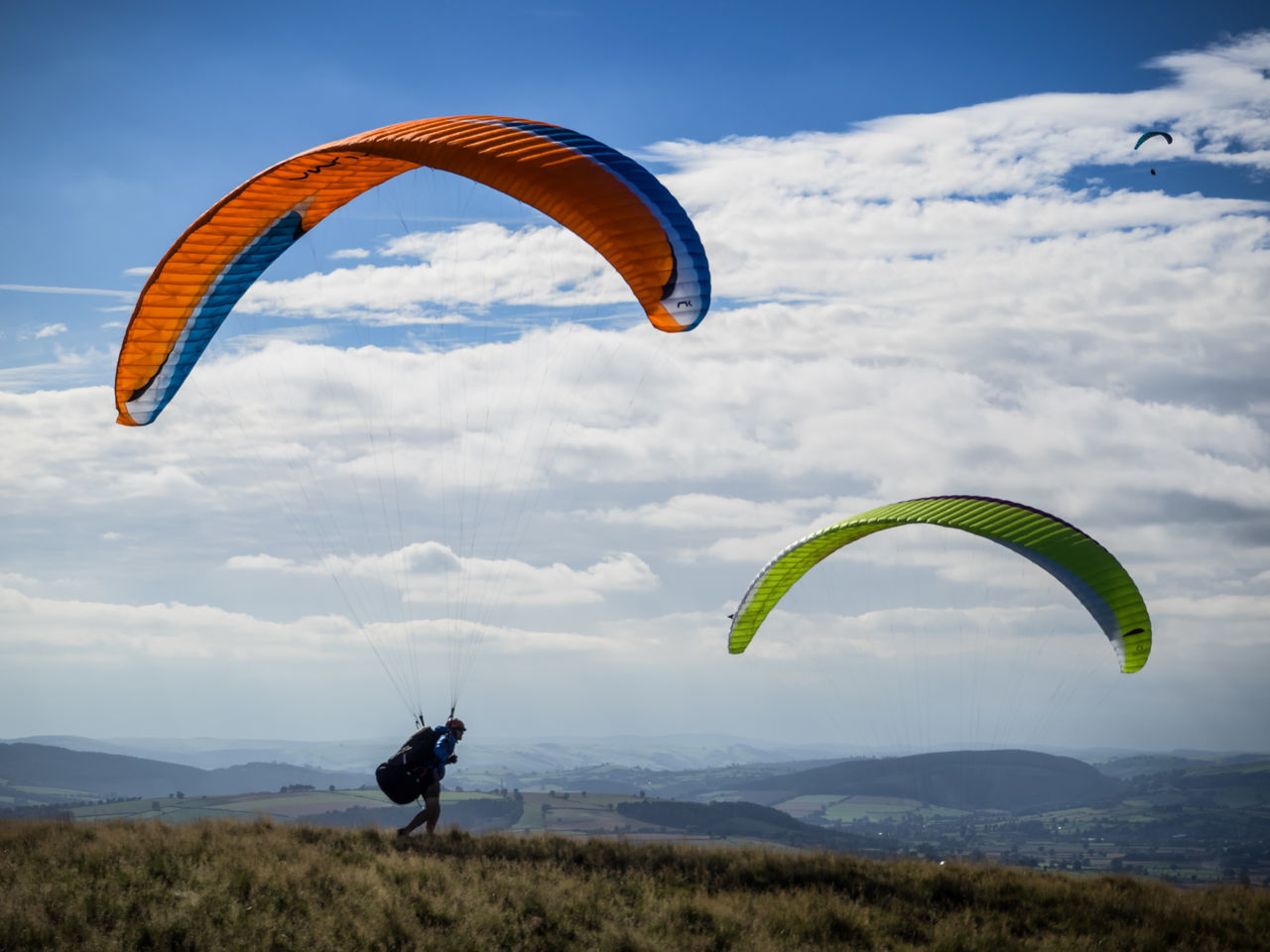 Paragliding on the Long Mynd. Adventure Cloud - Sky Extreme Sports Freedom Full Length Horizon Over Land Landscape Leisure Activity Lifestyles Mountain Mountain Range Nature Non-urban Scene One Man Only Parachute Paragliding Rear View Recreational Pursuit Scenics Sky Solitude Sport Tranquil Scene Tranquility Unrecognizable Person