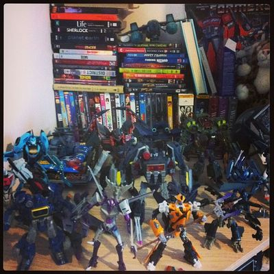 Organized some of my Transformers. Sort of. Decepticons Transformandriseup Hoarder