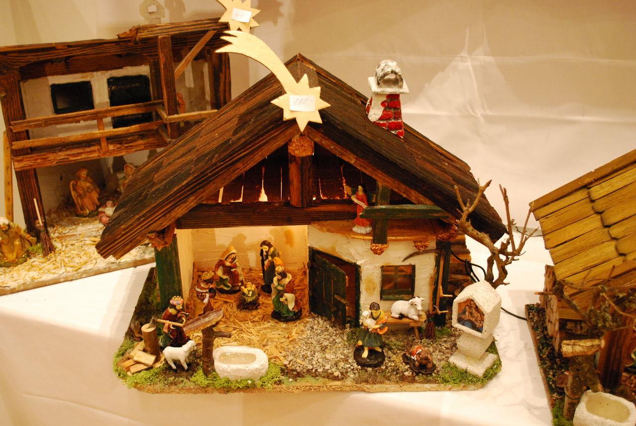 Advent Austrian Kultur Carving In Wood Christmas Decoration Christmastime Cribs KRIPPE Krippen Weihnachtsdeko Weihnachtskrippe Wood - Material