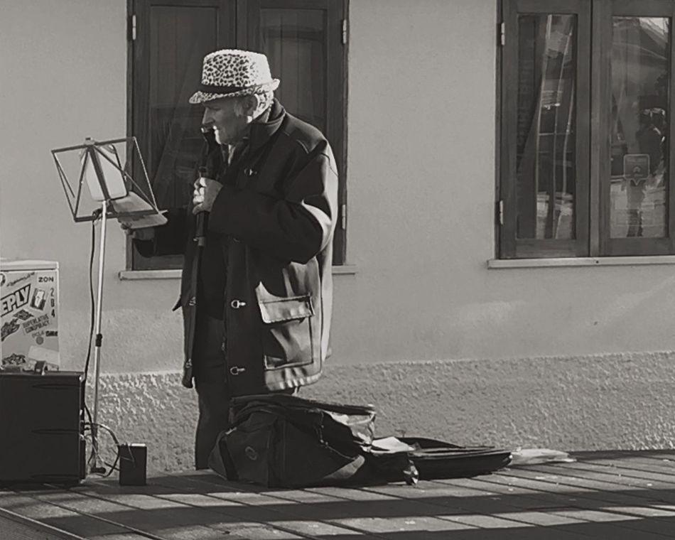 Showcase: November Blackandwhitephotography Blackandwhite Photography EyeEm Best Shots - Black + White BlackandwhiteMH Black And White Blackandwhite Lecadapalmeira Portugal Singer