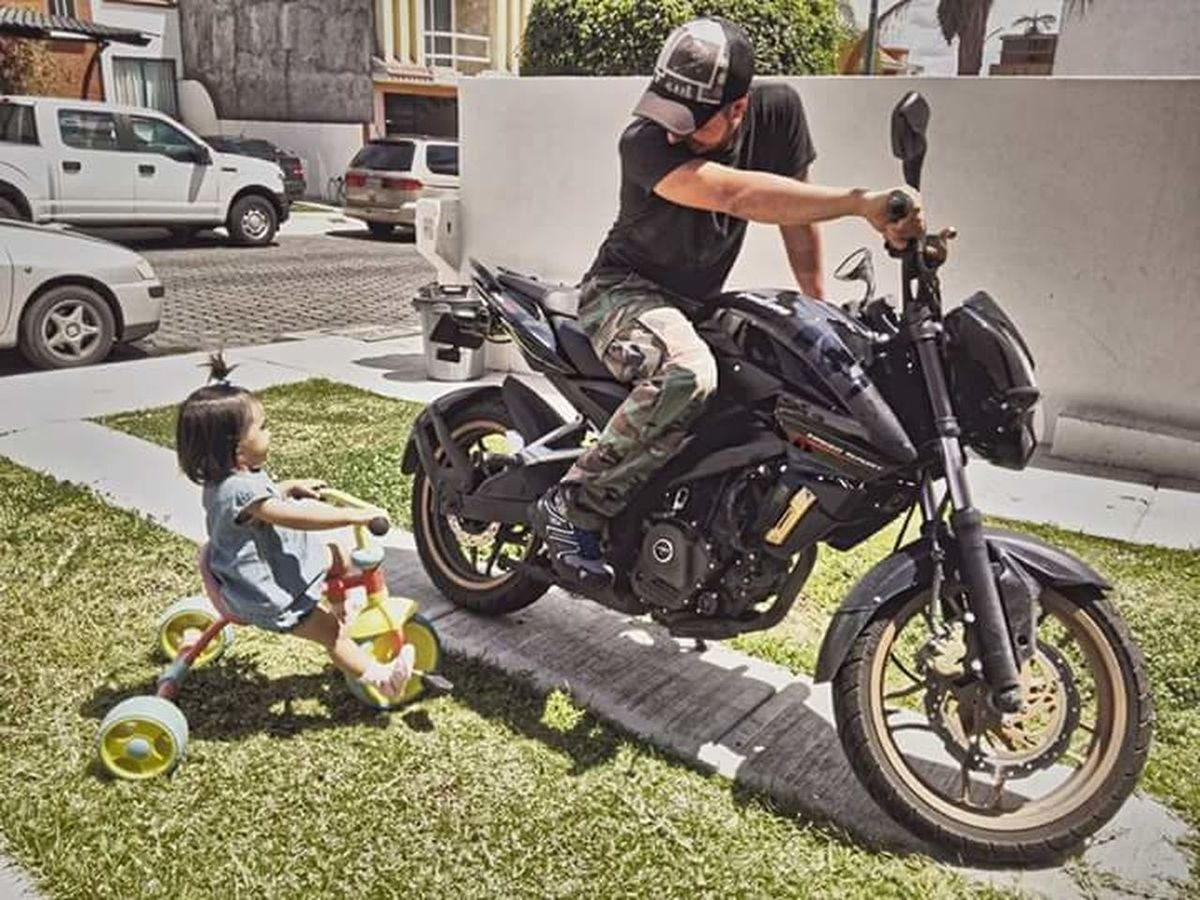 The Drive Dad Daughter Love Family Motorcycles Day Togetherness People Motorcycle City Papá Hija FamiliaTime Juntos Amor Motorbike Travel Motorbikes Outdoors Transportation Motocicleta Motos Real People Sunlight