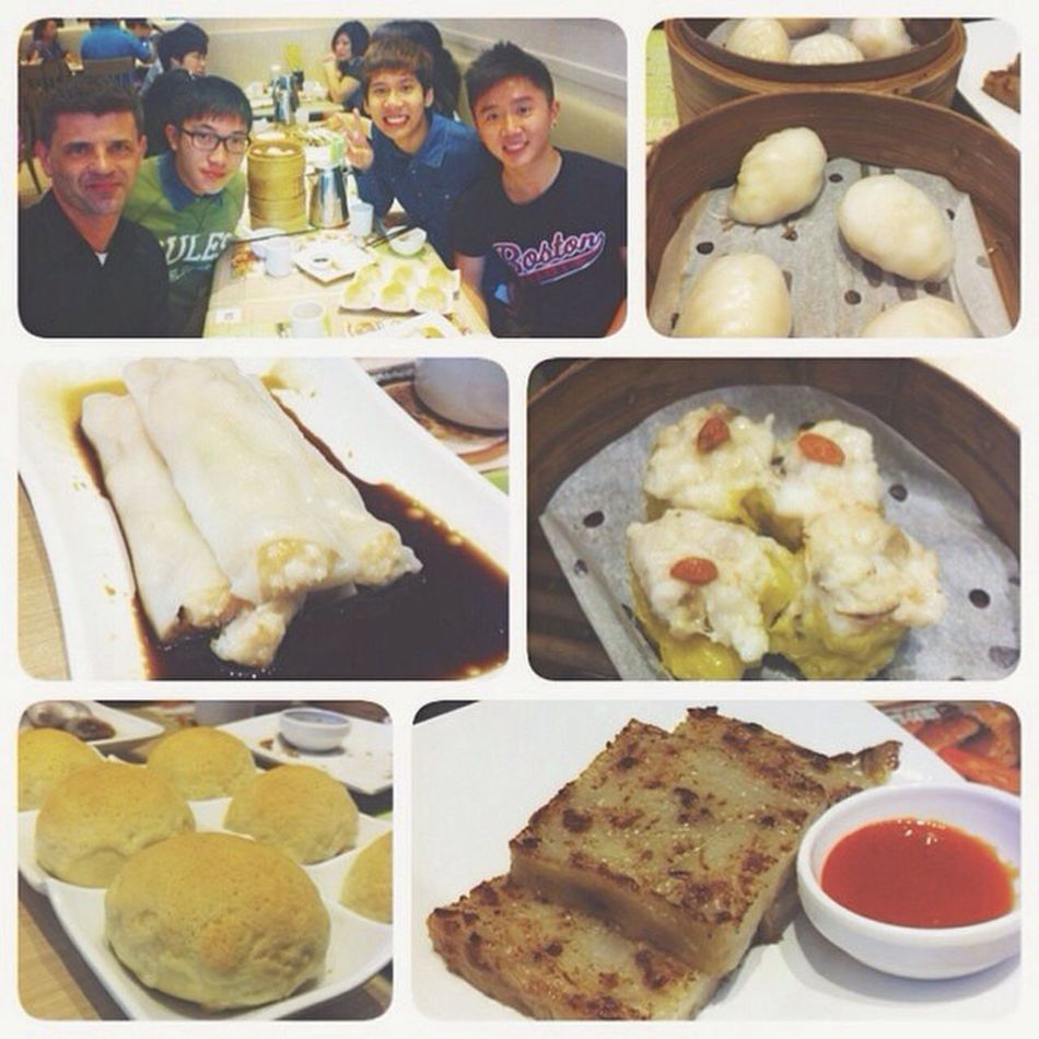 Day 3 in HK: Lunch at Tim Ho Wan! Sat tgt with a French tourist and it was quite interesting? Finallyeatingdimsum Lunchwitharandomfrench Kewlshitz Latergram YOLOinHK