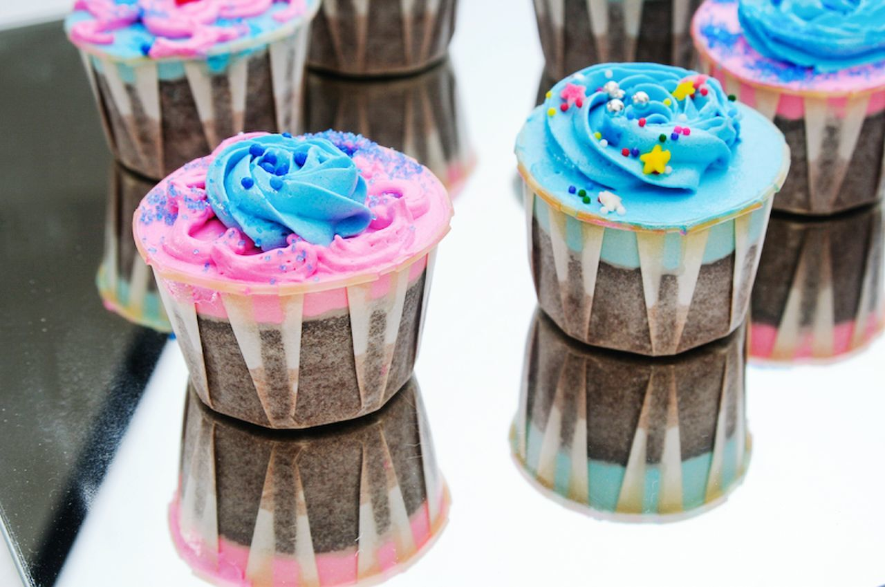 Beautiful stock photos of cupcake, Close-Up, Cupcake, Dessert, Focus On Foreground