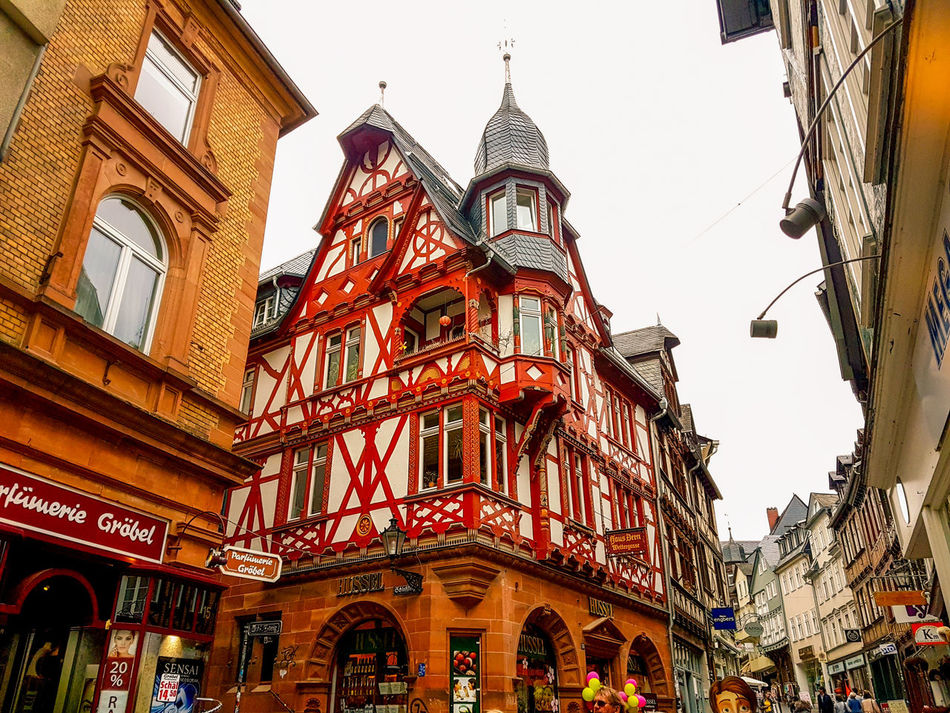 Architecture Red Travel Destinations Building Exterior Outdoors History City Marburg An Der Lahn Germany🇩🇪 City Life Cityscape