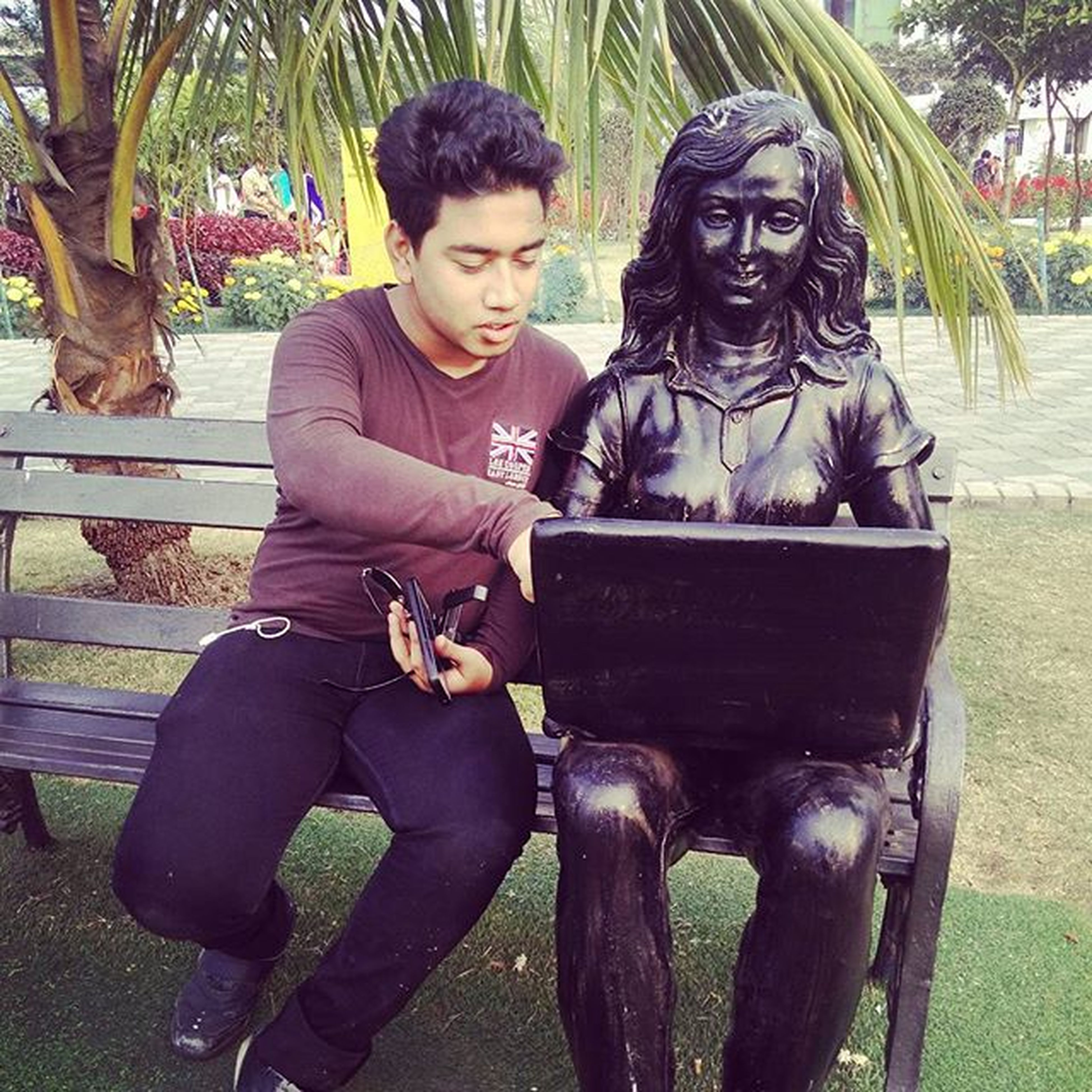 She asked me how to google! Ecopark Statue Computergirl