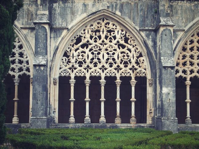 Gothic Architecture Built Structure Place Of Worship Famous Place Ancient Historic Past Architectural Feature Arcade Peristilium Columns Cloister Decadent Batalha Portugal Sacred Art Past Time EyeEm Gallery Eyeemphotography Eyeem Architecture Monastery Ornament Stones Gothic Manueline