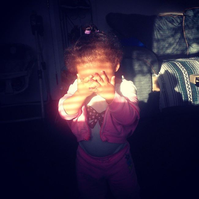 Now she Wanna Hide Her Face. Lmao. JinAl Brat Spoiled Lilsis