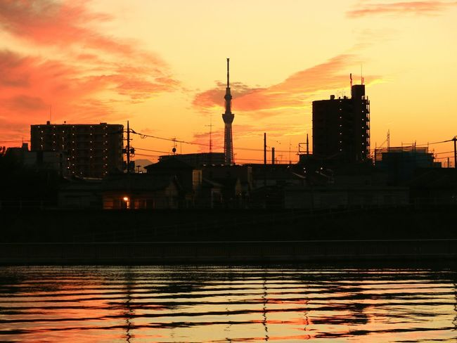 Sunset Silhouette Tower Cityscape Tokyoskytree Skytree Tokyo Japan Water Reflection Sunsets Evening Glow Orangesky