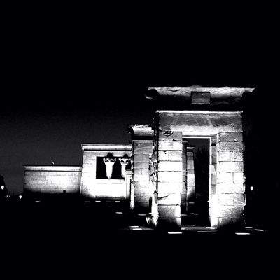 blackandwhite at Templo de Debod by Luishs