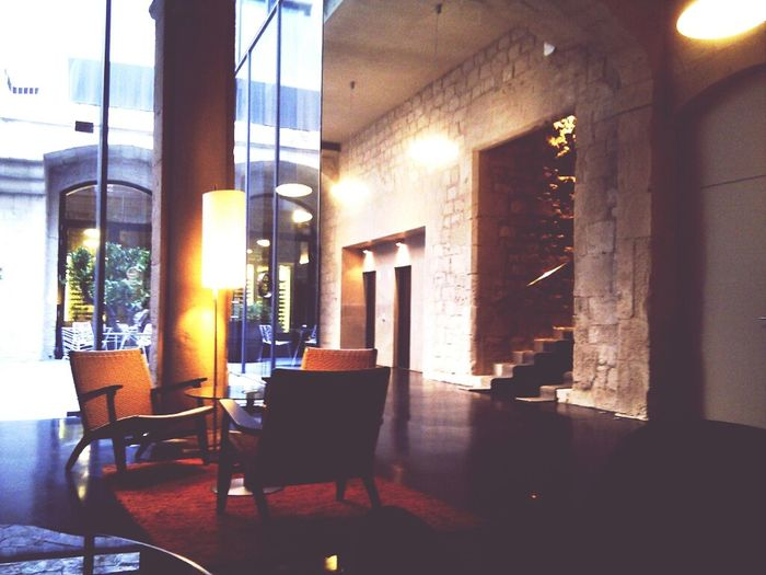 Waiting Hotel Mercer