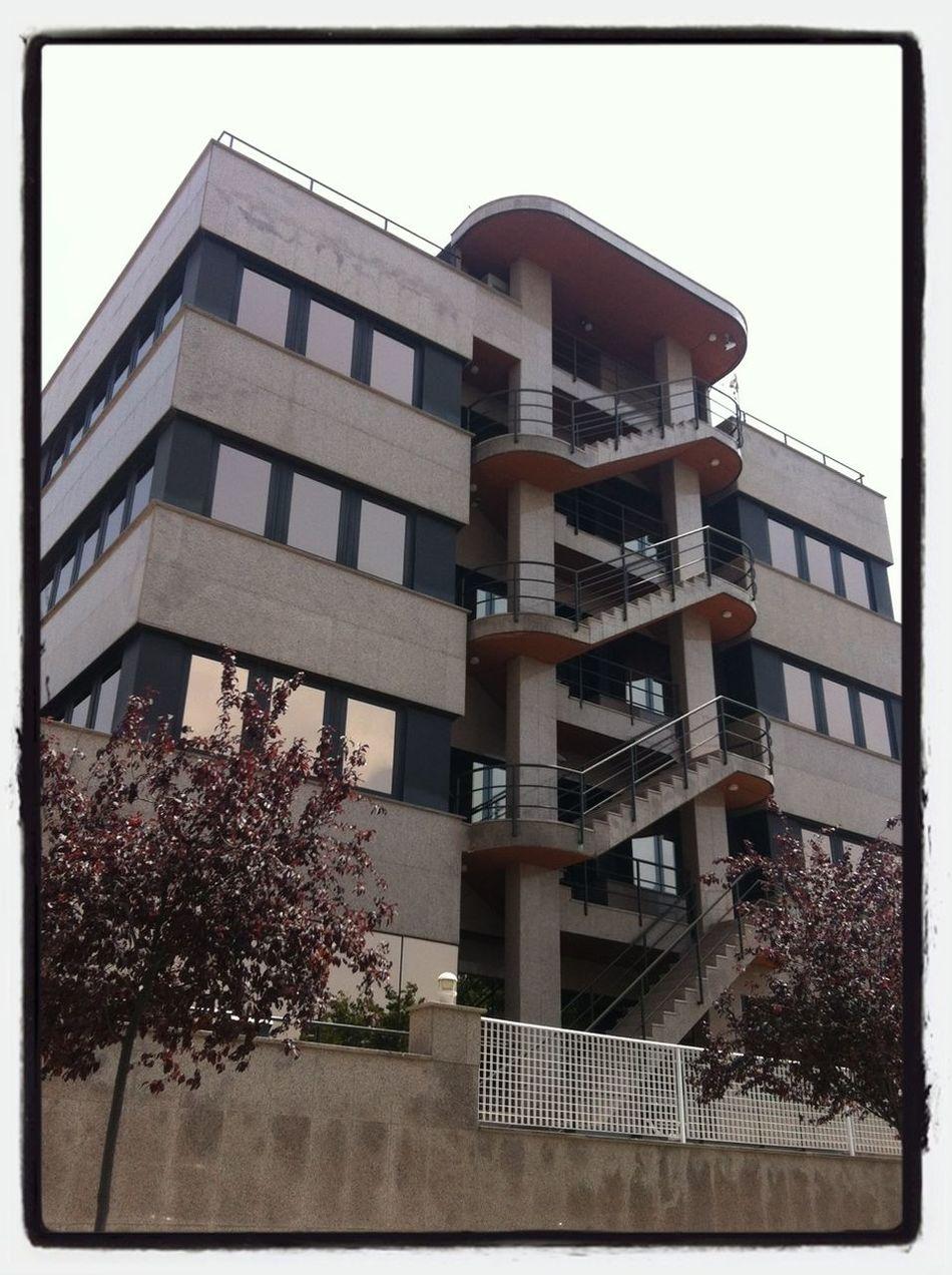 Puede contener belleza pero también dolor... It may contain beauty but also pain ... Stairs Escaleras PicFeeling Barreras Arquitectónicas