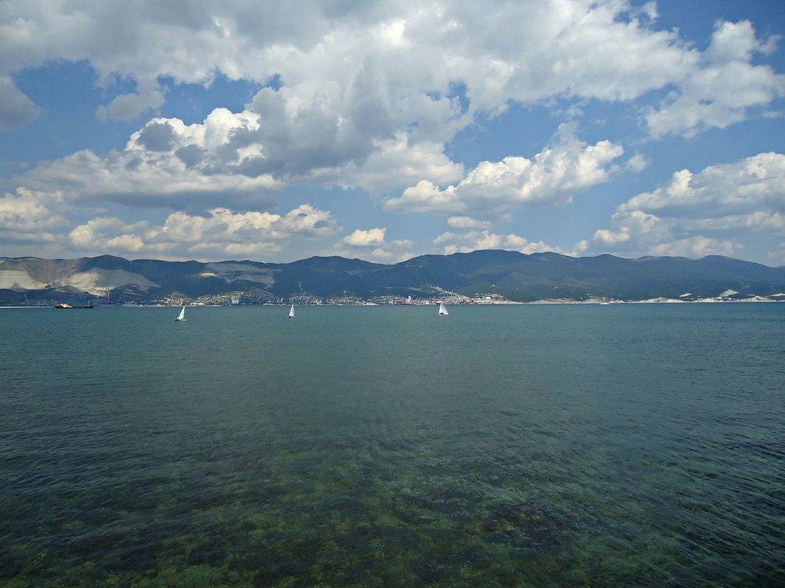 There's no photo editing. Без фоторедактирования. Seafront Sea Mer Quay Quai November Novorossiysk набережная новороссийск осень