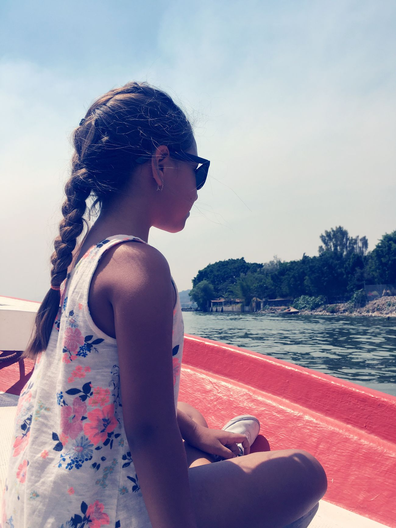 Real People One Person Leisure Activity Sunglasses Lifestyles Sky Water Vacations Nature Side View Niece 💕 Tranquility Disfrutando De La Vida IPhone