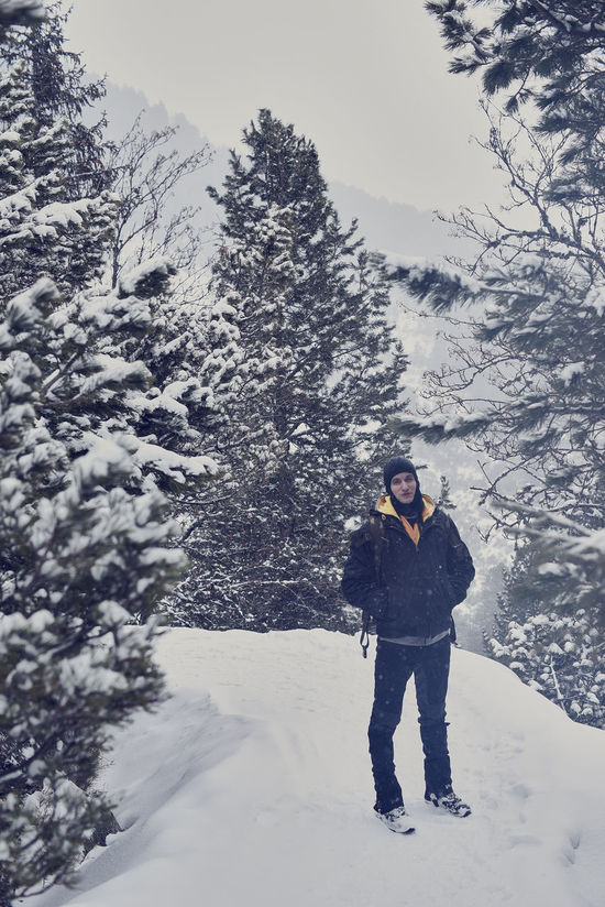 Adult Adults Only Cold Temperature Day Landscape Leisure Activity Men Mountain Mountain Range Nature One Man Only One Person Only Men Outdoors People Portrait Ski Holiday Ski-wear Snow Snowboarding Tree Vacations Warm Clothing Winter Young Adult