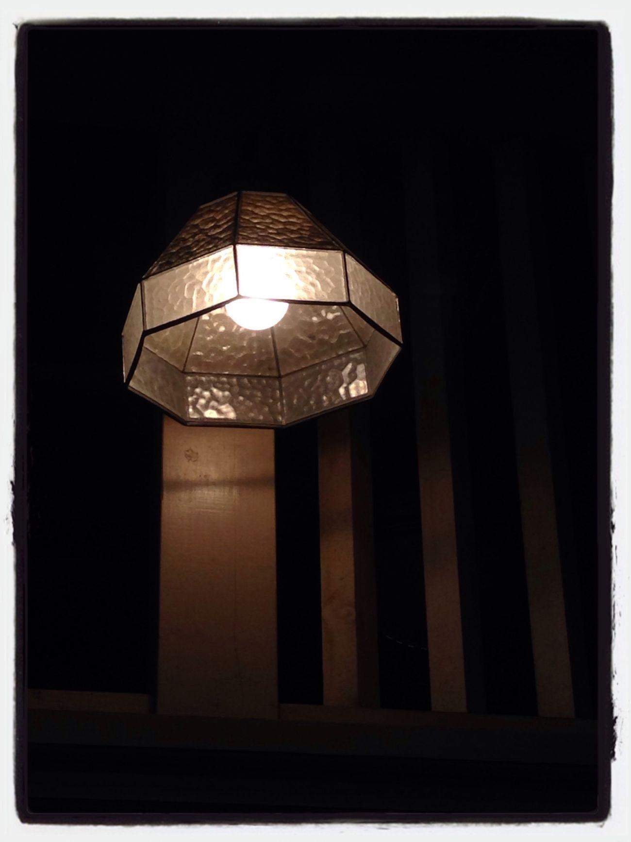 あったかい、ぽっかり浮かびあがった灯火に引き寄せられました… Retro Interior