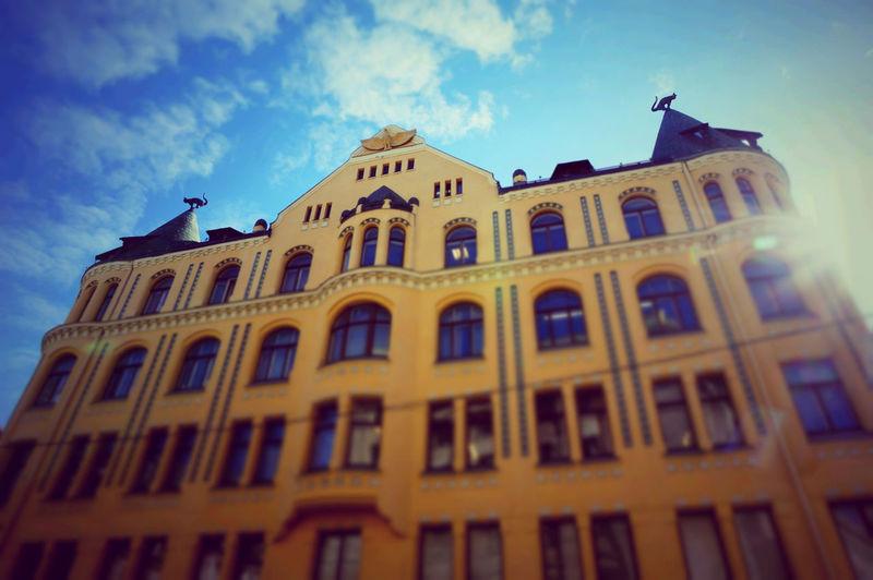 2014 Architecture Building Building Exterior Cat Cat House City House Latvia Riga Roof Rooftop Sky Statue Sun ラトビア リガ 建築 猫の家 World Heritage リガ歴史地区