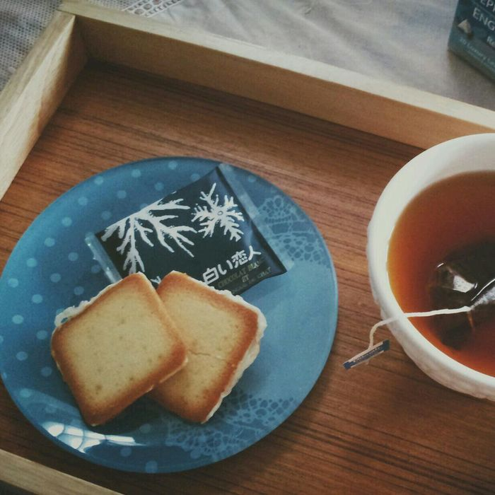 Shiroi Koibito cookies with Dilmah Exceptional Relaxing Taking Photos Food <3
