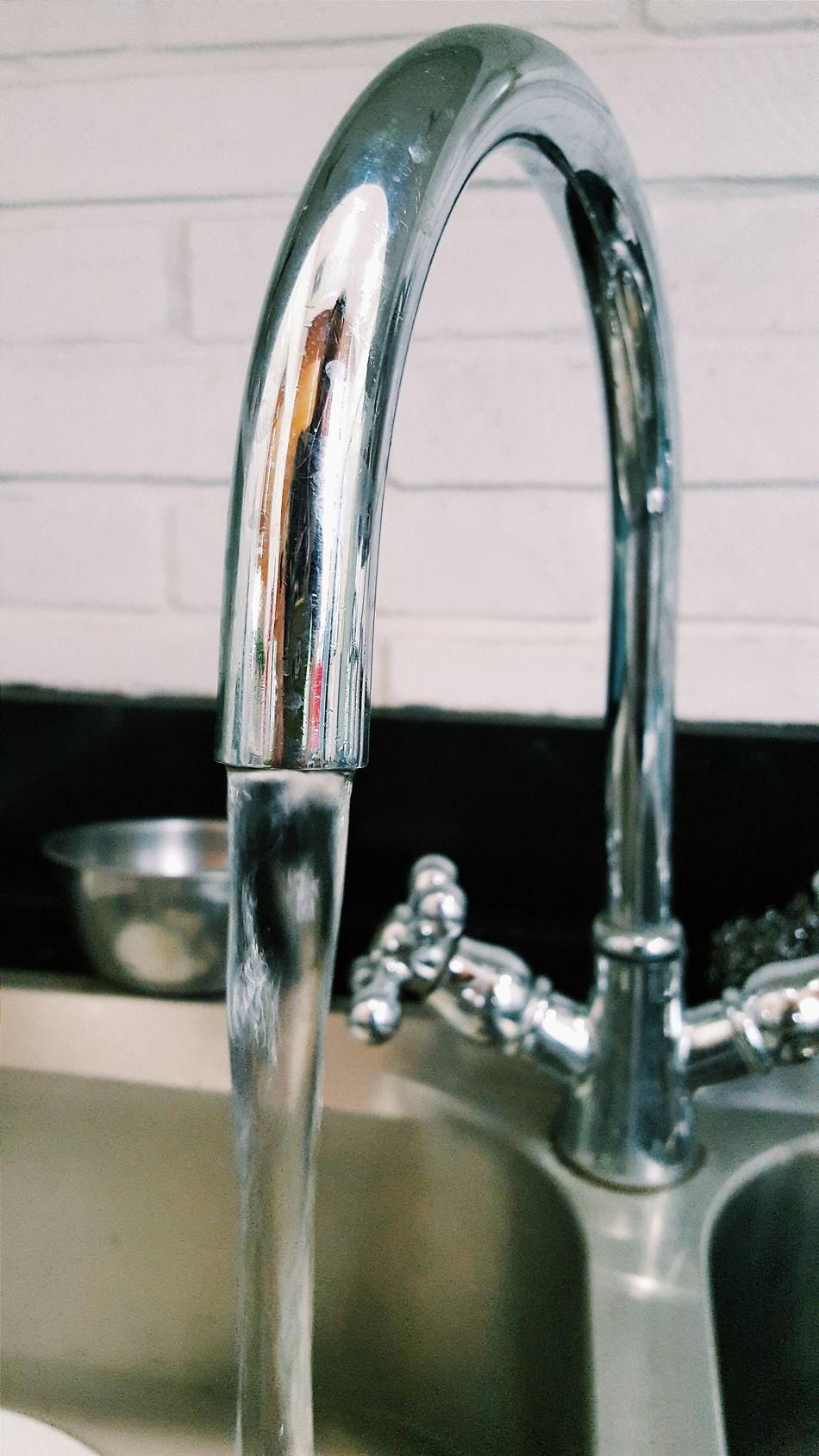 Dish Dishwashing Water Dish Water Tap Washer Washing Wash Cleaning Disposal Kitchen Running Water Water Tap Water Dishwasher Reflection Steel Material