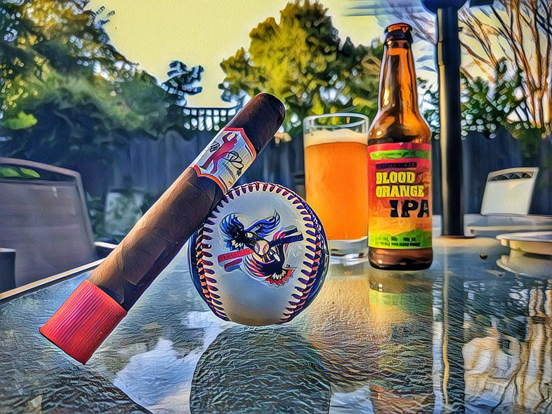 Watching the AllStarGame with a nice smoke freakin featuring Big Papi! Craftbeer Cigars
