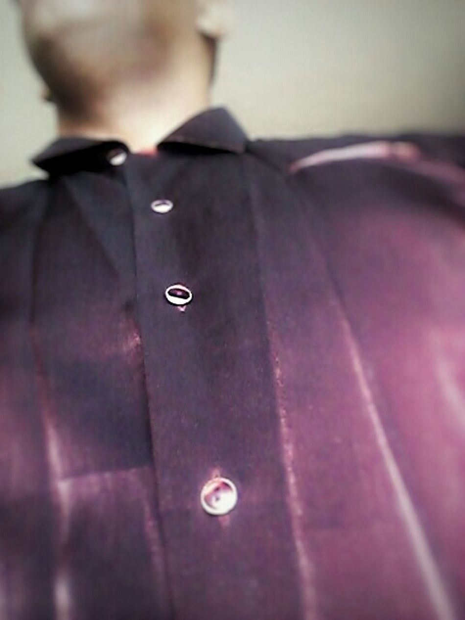Try not starring at the buttons:) Button Up Taking Photos My Unique Style Selfie Sharp Dressed Man Button Up Shirt That's Me Check This Out