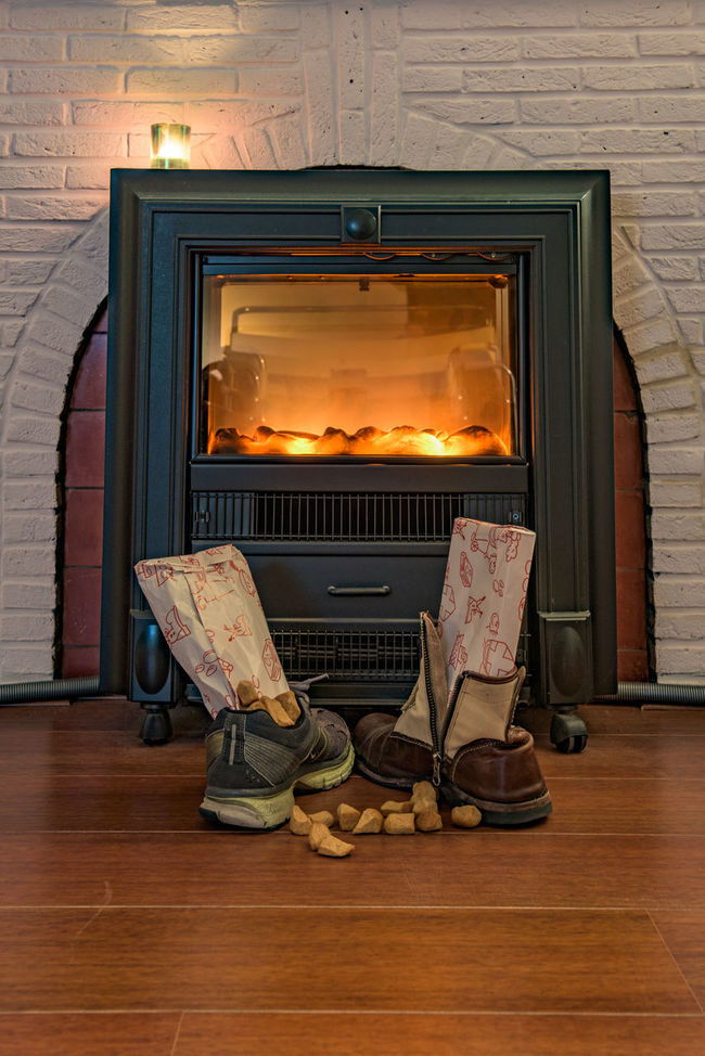 December 5 Arrangement Casual Clothing Celebration Children December December 5 Festive Season Fireplace Footwear Heater Holiday Home Indoors  Old-fashioned Present Saint Nicolas Shoe Sinterklaas St. Nicolas Sweets Vertical Year Of Photography 2015
