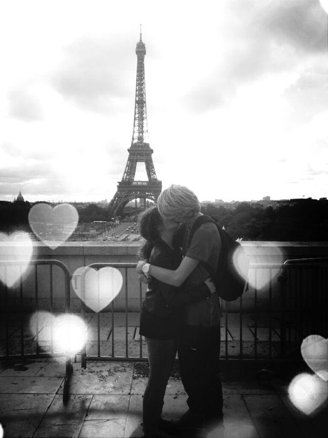 paris , city of love ♡ Hello World