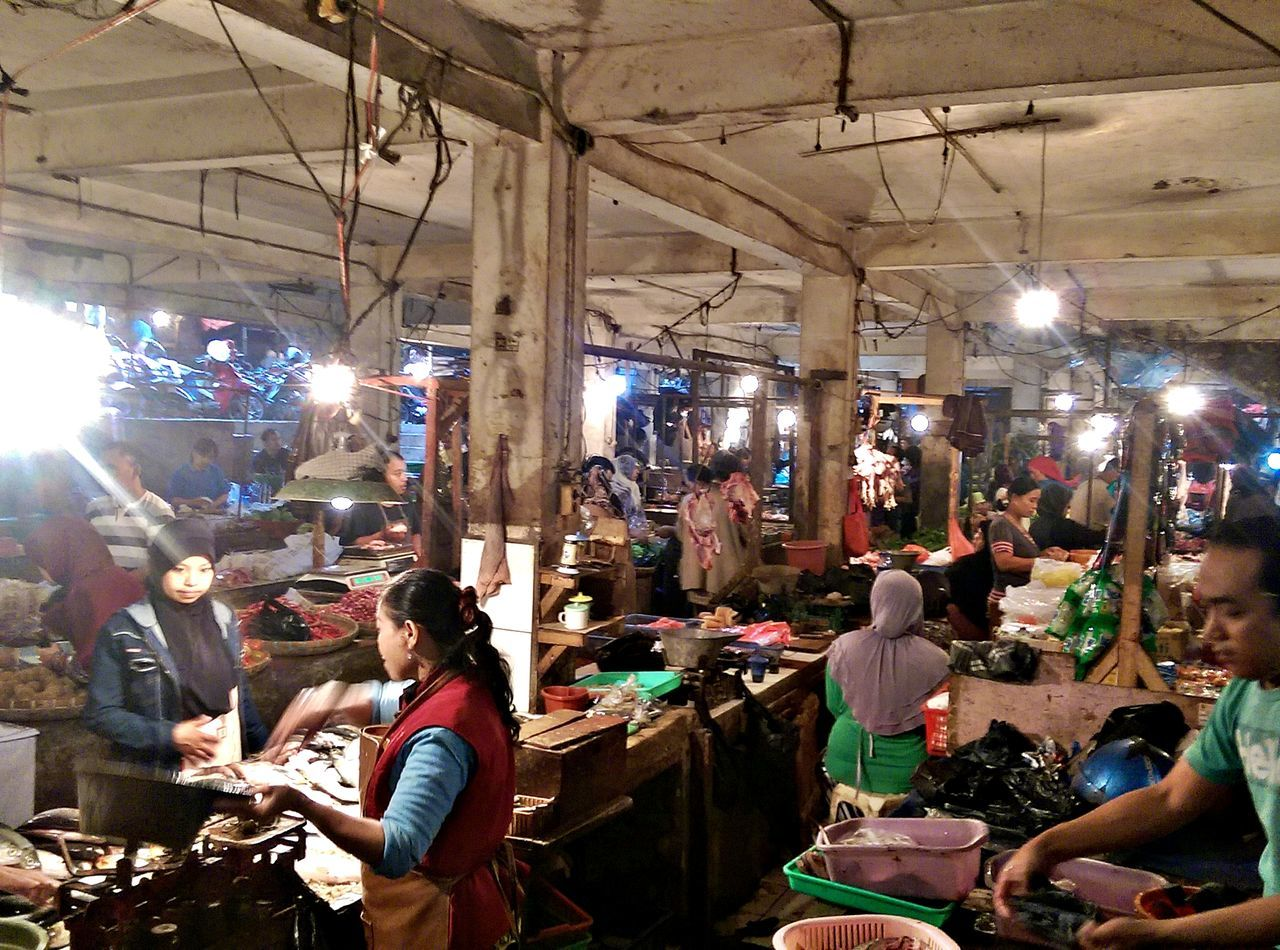 Indonesian Traditional Market, buying some needed for Ramadhan and also to analyze the local economic situation Fish Fruit Macro Economic Meal People Shopping Traditional Market Transcaction Vegetable Walking Around The City  Live Love Shop