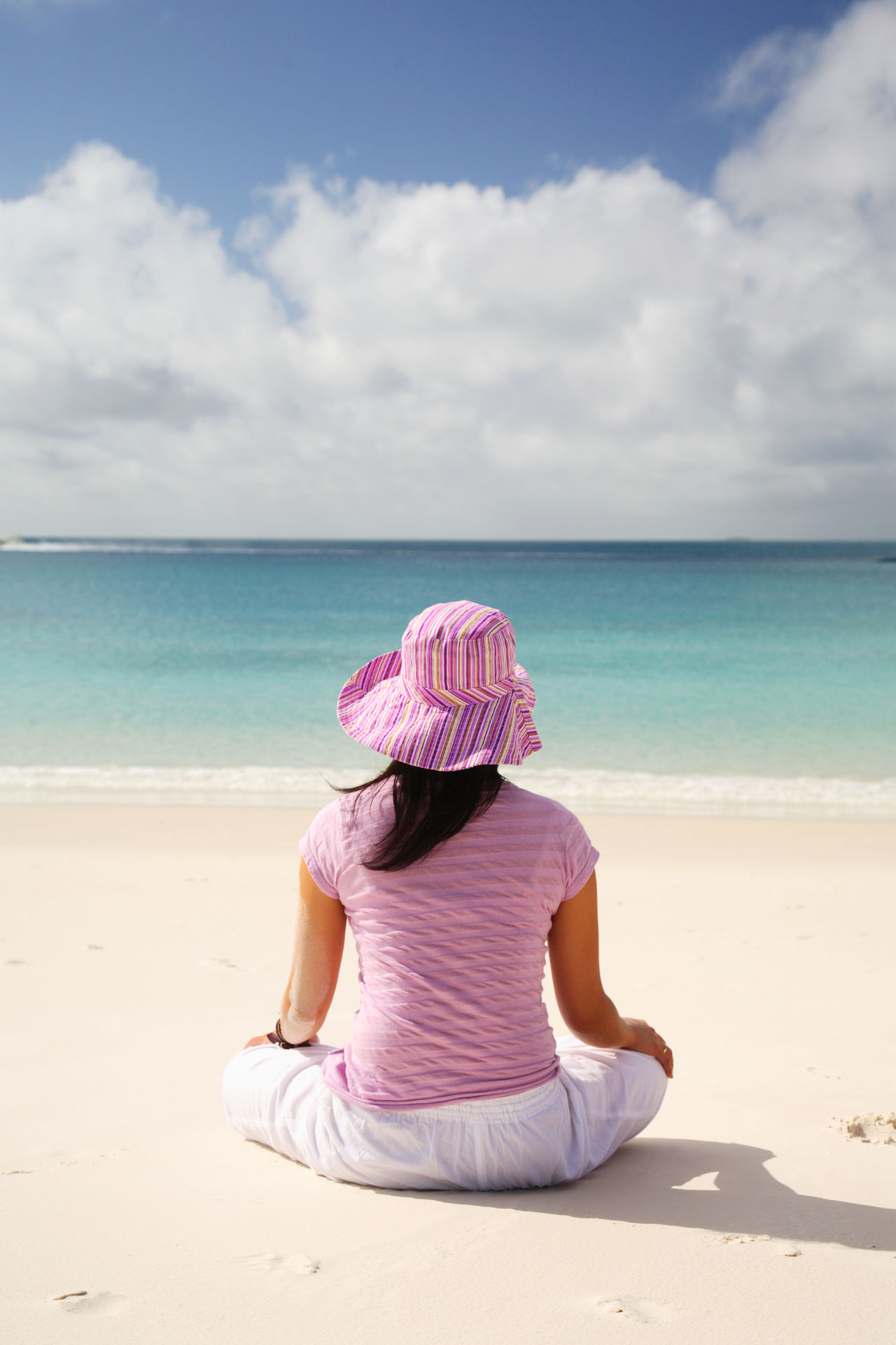Adult Adults Only Beach Day Horizon Over Water Human Body Part One Person One Woman Only Outdoors People Rear View Sand Sea Sitting Sky Vacations Women