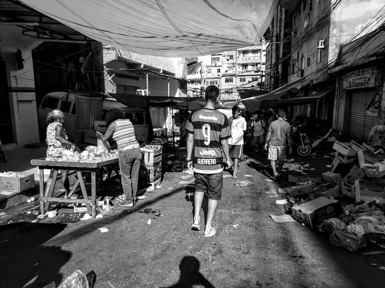 Blackandwhite Blackwhite Streetphoto_bw Blacknwhite B&w Street Photography Black And Write Streetphotography Shadows & Lights EyeEmNewHere