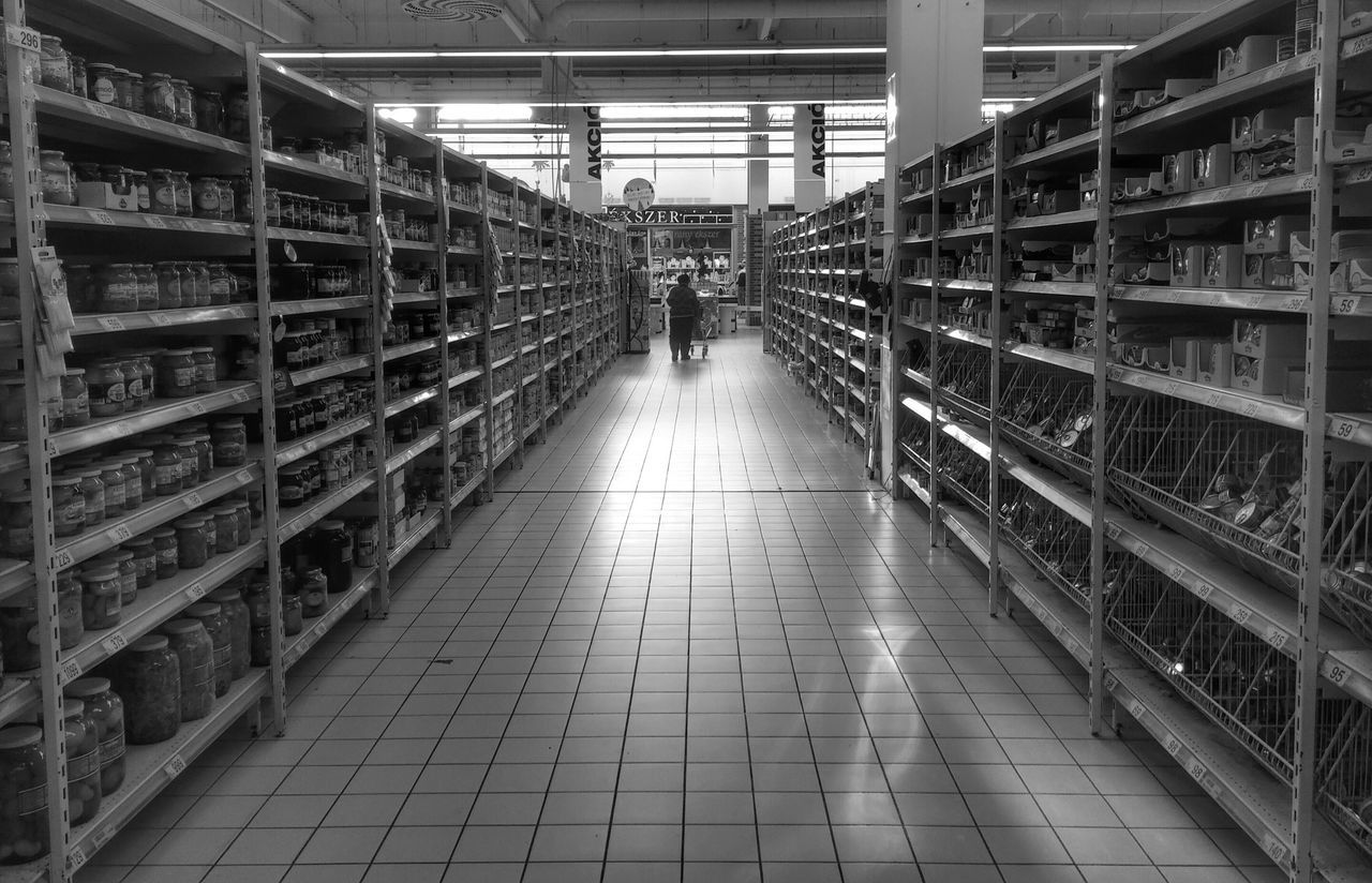 Budapest Life Lifestyle Modern Life Modern Blackandwhite Photography Bnw Bnwportrait Supermarket Streetphotography Streetphoto_bw