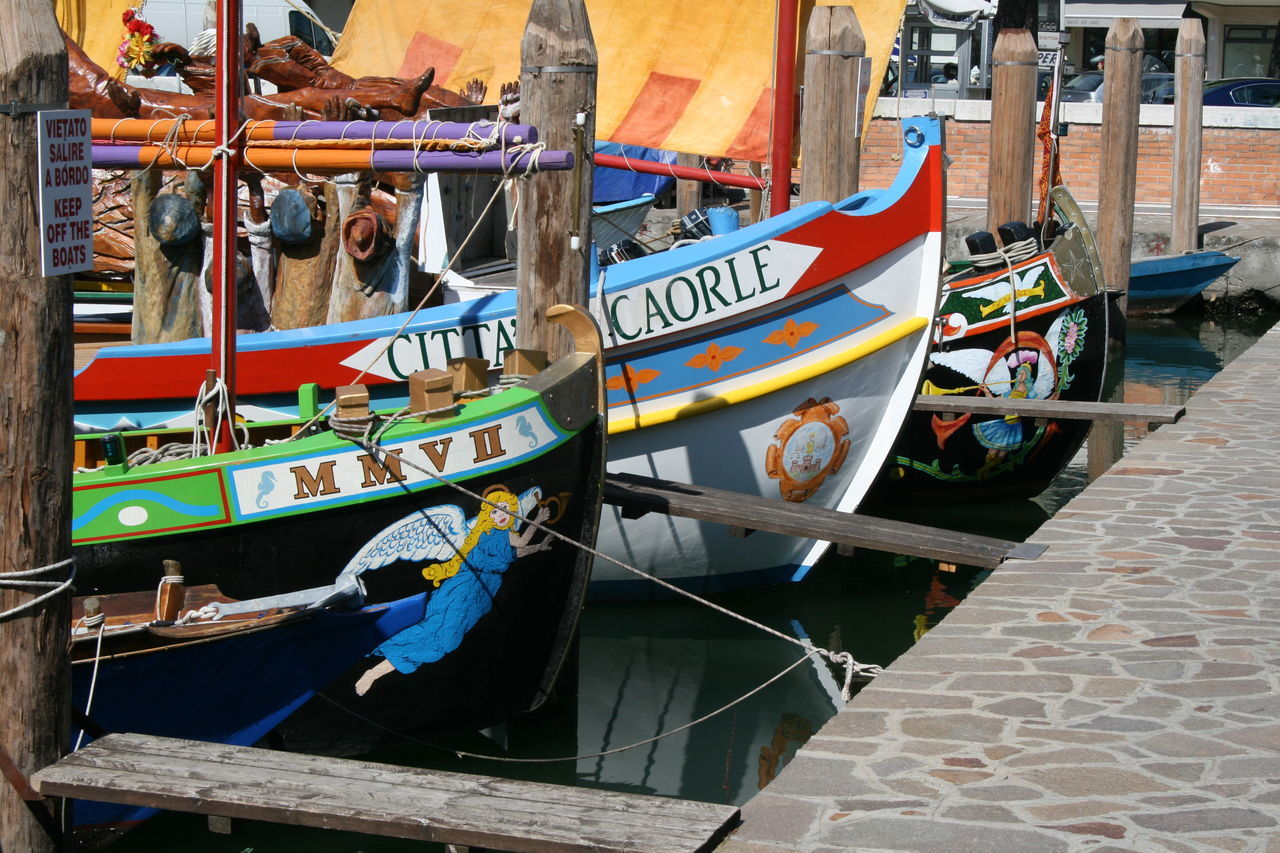 Boat Boats Cita Colorful Colors Habour Habour View Habourside Rowing Rowing Boat Rowing Boats Rowing Regatta Rowingboat Tradition Traditional Traditions Wood Boat Adapted To The City