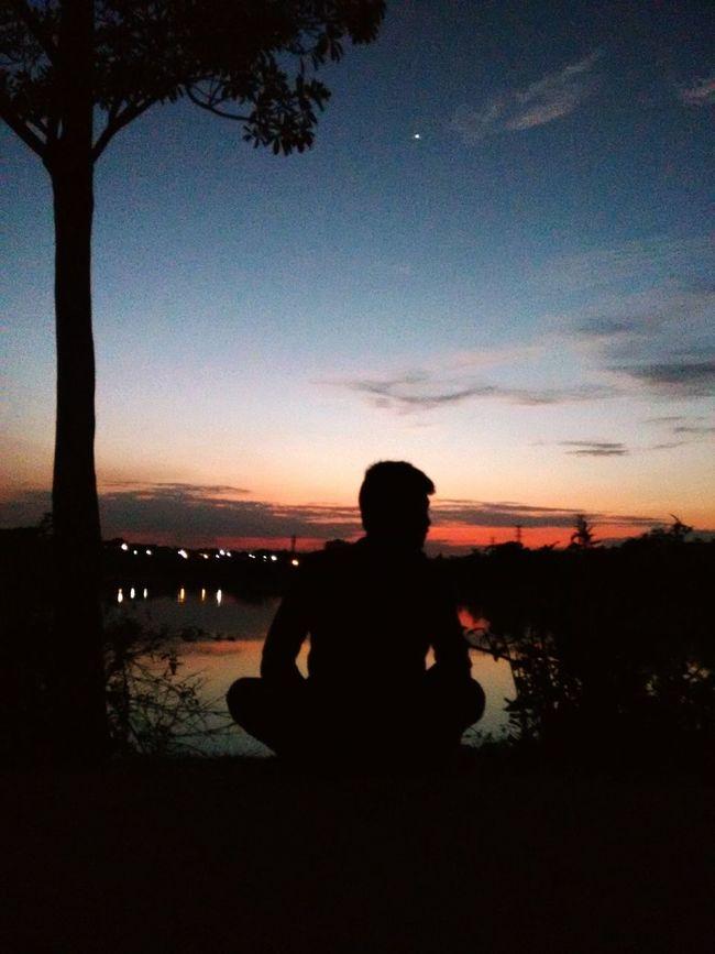 Aloneinthedark_01 Misslove,. EyeEm Best Shots Happiness EyeEm Best Shots - Sunsets + Sunrise Love ♥ Goin Vt Flow Todays Hot Look Needyourightnow Missingmylove